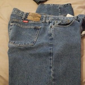 Wrangler Relaxed Fit Jeans Size 36x34